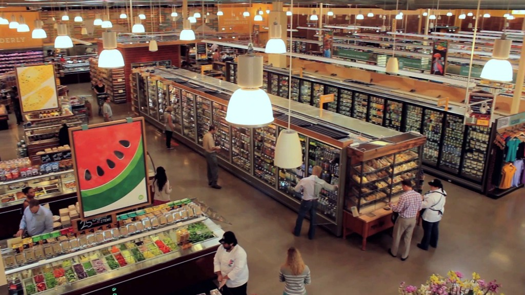 3874990-grocery-store