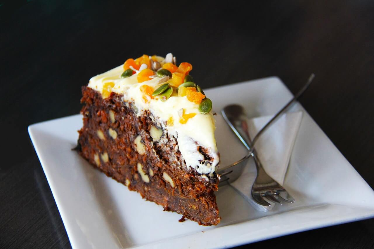 carrot cake calories